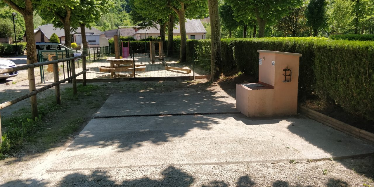 Aire de camping-car Villecomtal (Aveyron)